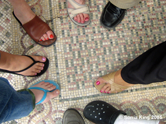 Mosaic workshop in France with Sonia King