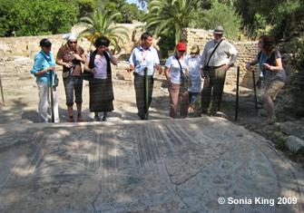 tunisiaStudyingCarthage_3959